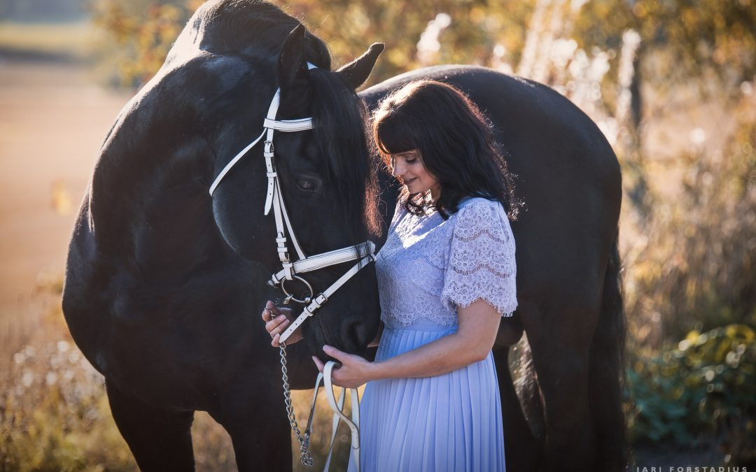 Kadi and Frisian Stallion Unto